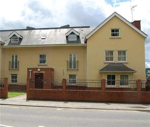 1 Bedroom Flat for sale in Stratford Road, STROUD, Gloucestershire, GL5 4AJ