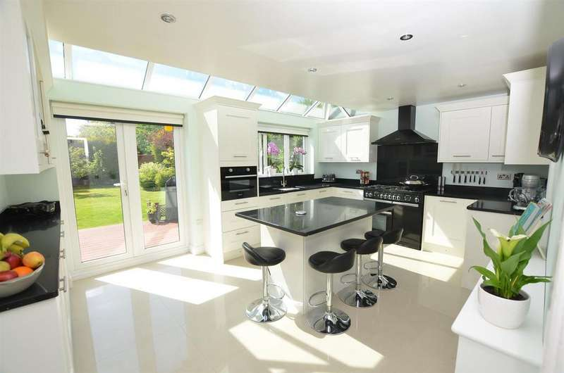 5 Bedrooms Detached House for sale in Hampton Close, Coalville