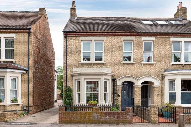 4 Bedrooms Semi Detached House for sale in Goldington Avenue, Bedford, MK40