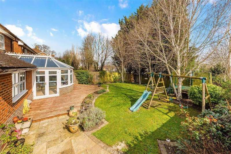 5 Bedrooms Detached House for sale in Burns Close, Carshalton Beeches