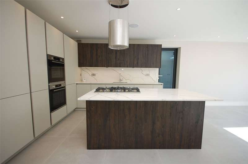 5 Bedrooms Property for sale in Ravensdale Avenue North Finchley