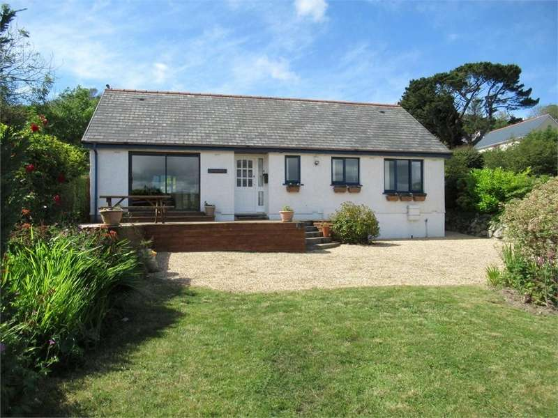 3 Bedrooms Detached Bungalow for sale in Windrush, Jacksons Way, Goodwick, Pembrokeshire