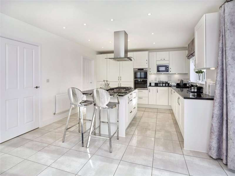 4 Bedrooms Detached House for sale in Tetsworth, Thame