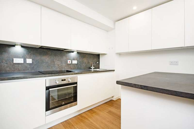 2 Bedrooms Flat for sale in Shearwater Drive, Hendon, NW9