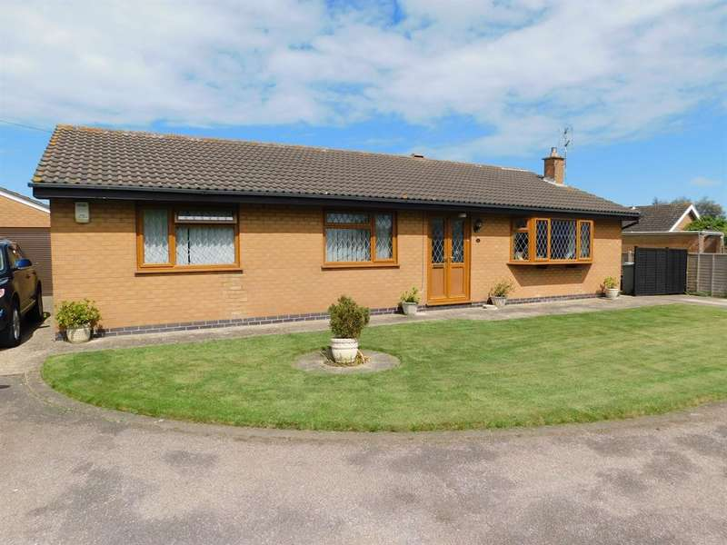 3 Bedrooms Detached Bungalow for sale in Martins Walk, Sutton-on-Sea, Lincs., LN12