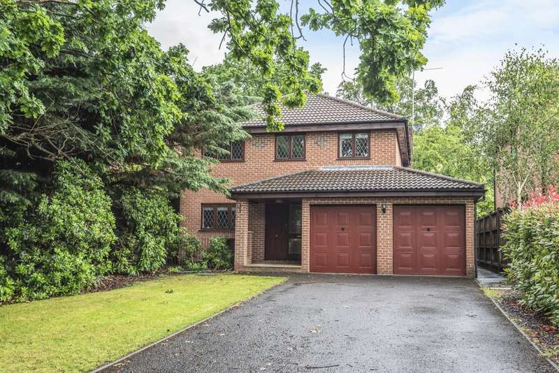 4 Bedrooms Detached House for rent in Dell Grove, Frimley, GU16