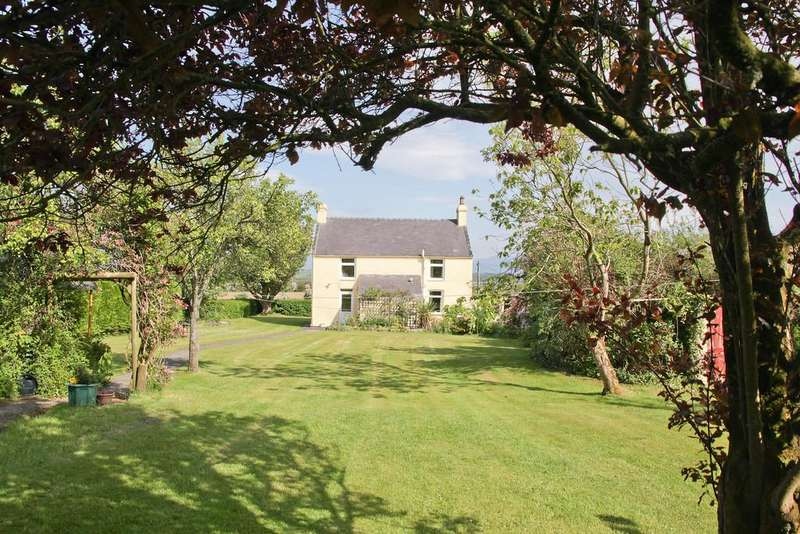 4 Bedrooms Farm House Character Property for sale in Tyddyn Bach, Malltraeth, North Wales