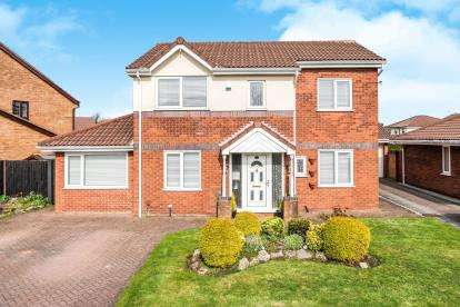 4 Bedrooms Detached House for sale in Tarnway, Lowton, Warrington