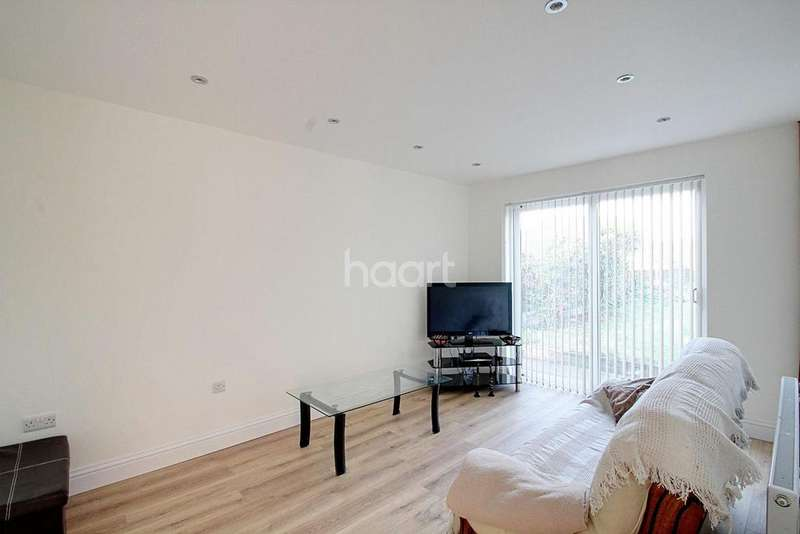 3 Bedrooms Bungalow for sale in Forest Rise, Thurnby