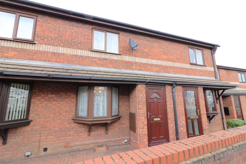 2 Bedrooms Terraced House for sale in Bridge Road, Gainsborough, Lincolnshire, DN21