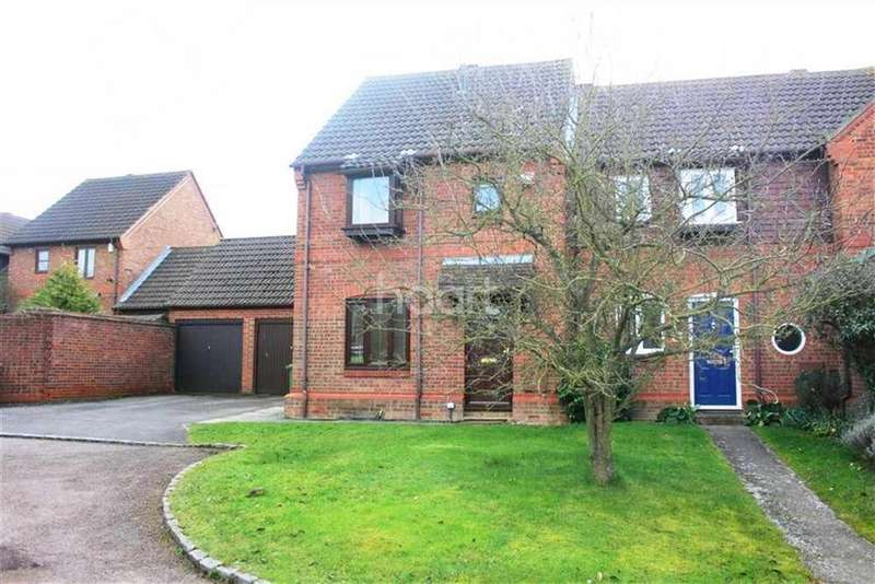 3 Bedrooms Semi Detached House for rent in Winkfield RG42