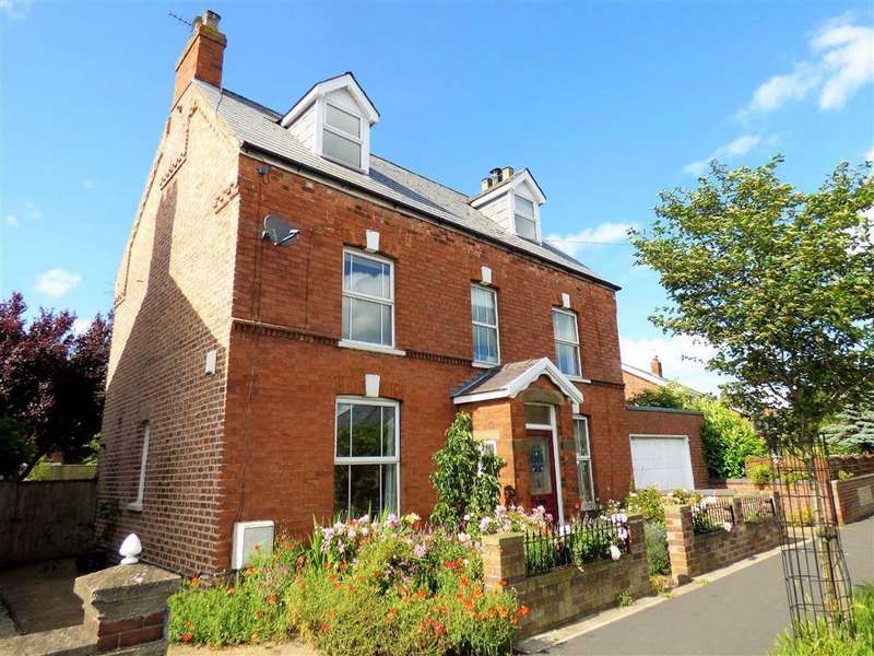 5 Bedrooms Detached House for sale in Keddington Road, Louth