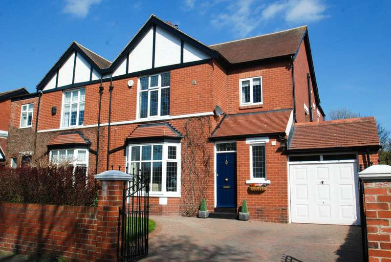 4 Bedrooms Semi Detached House for sale in St George's Avenue, South Shields