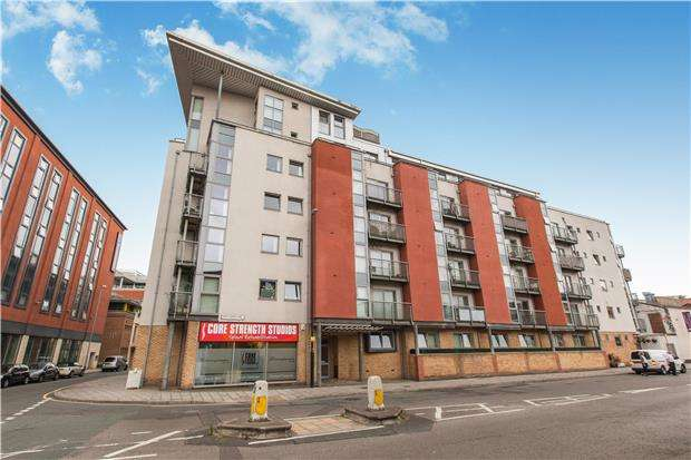1 Bedroom Flat for sale in Thomas Court, Three Queens Lane, BRISTOL, BS1 6LE
