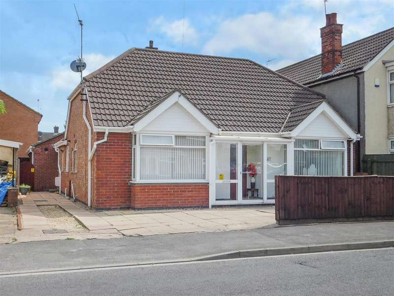 4 Bedrooms Detached Bungalow for sale in Lyndhurst Avenue, Skegness, Lincs, PE25 2QE