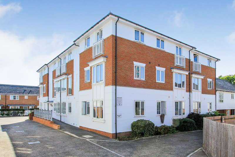 2 Bedrooms Apartment Flat for sale in Wicketts End, Whitstable