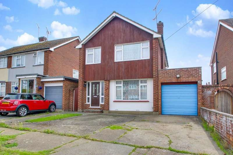 3 Bedrooms Detached House for sale in Moreland Avenue, Benfleet