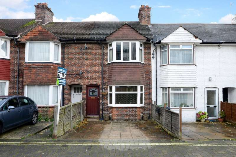 3 Bedrooms Terraced House for rent in Southern Road, Camberley