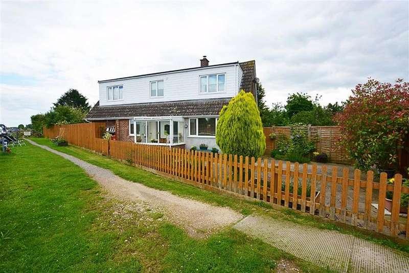 2 Bedrooms Bungalow for sale in Shepherds Patch Slimbridge