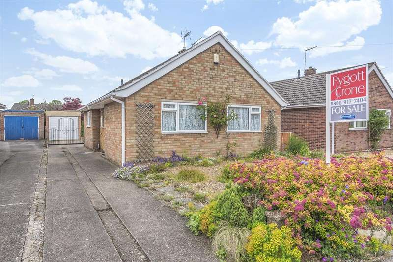 2 Bedrooms Detached Bungalow for sale in Matlock Drive, North Hykeham, LN6