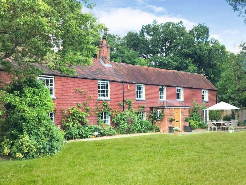 6 Bedrooms Detached House for sale in Drury Lane, Mortimer Common, Reading