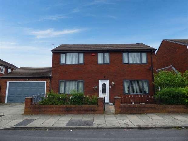 3 Bedrooms Detached House for sale in Sutton Drive, Droylsden, Manchester