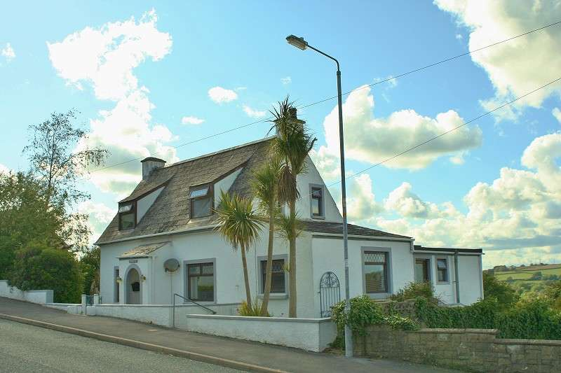 3 Bedrooms Cottage House for sale in Mountain Ash, Sandy Hill Road, Saundersfoot, Pembrokeshire. SA69 9PL