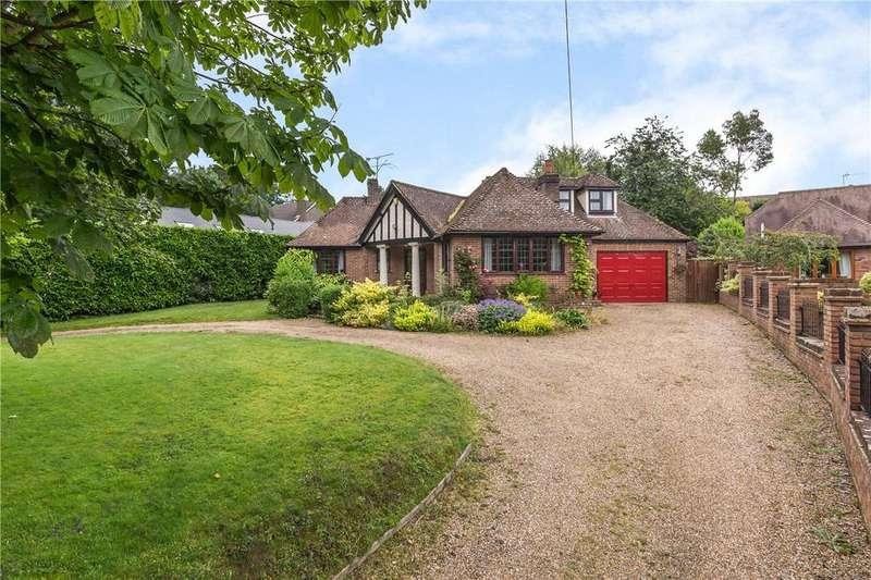 4 Bedrooms Detached House for sale in Dunstable Road, Studham, Dunstable, Bedfordshire