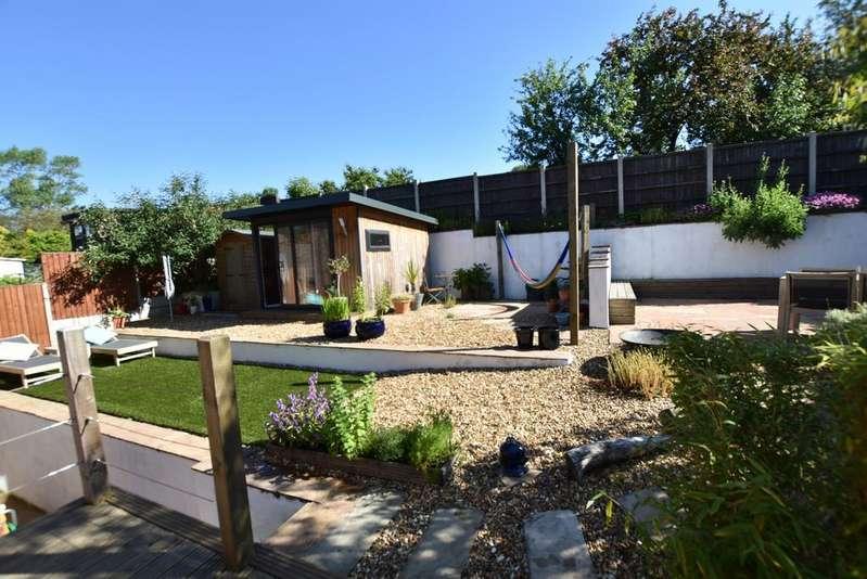 3 Bedrooms End Of Terrace House for sale in Platt Street, Little Padfield, Glossop