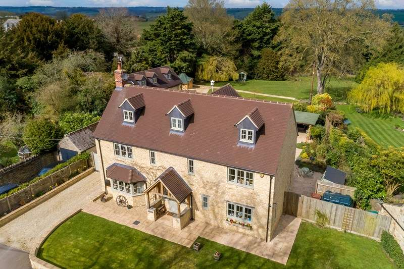 6 Bedrooms Detached House for sale in Main Street, Duns Tew, Bicester