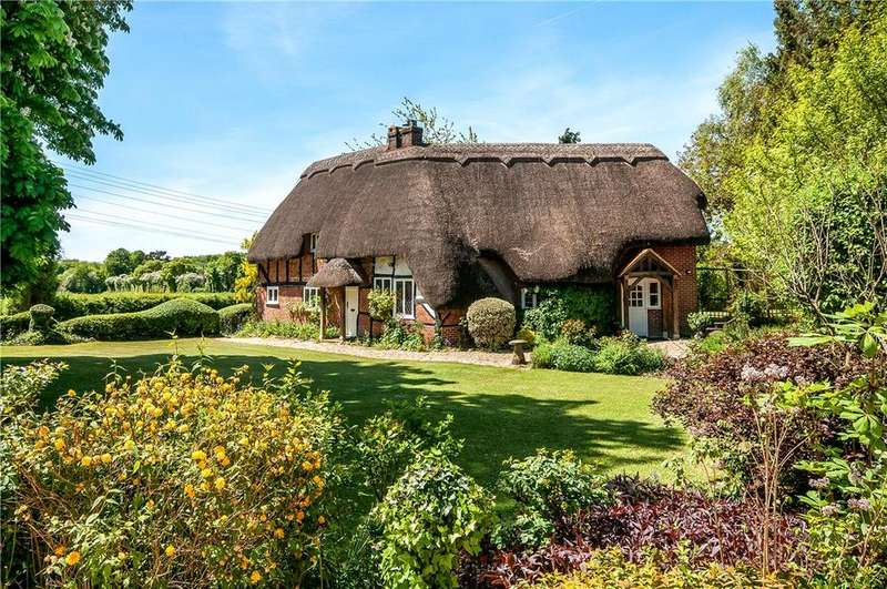 3 Bedrooms Detached House for sale in Paynes Hay Road, Braishfield, Romsey, Hampshire, SO51