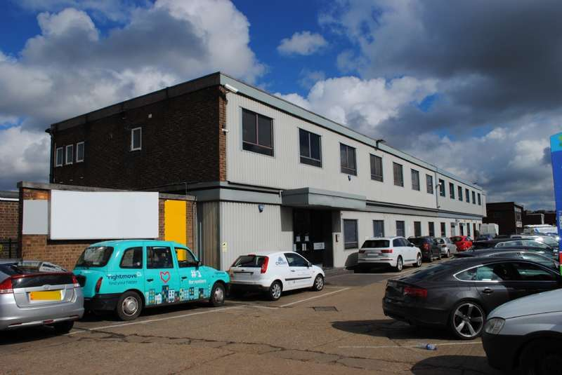 Commercial Property for rent in Fowler Road, Hainault