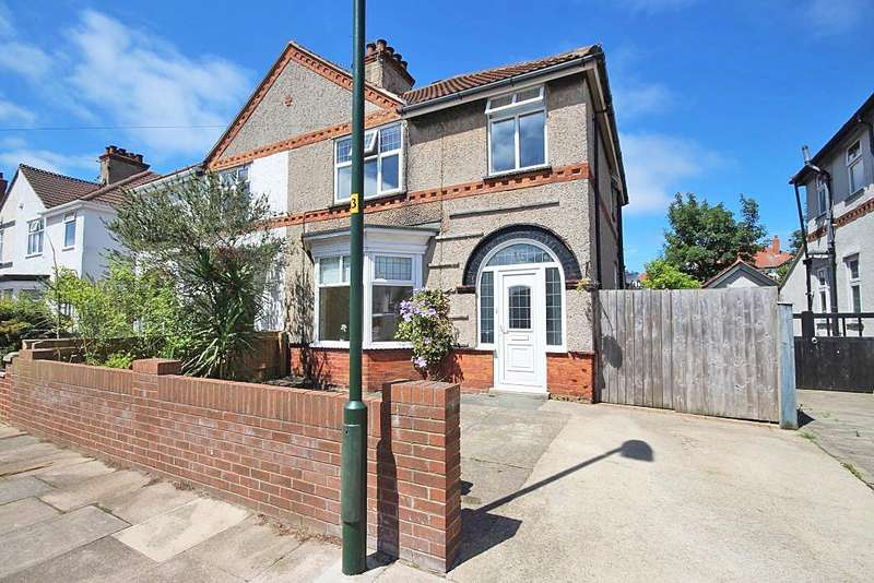 3 Bedrooms Semi Detached House for sale in SIGNHILLS AVENUE, CLEETHORPES