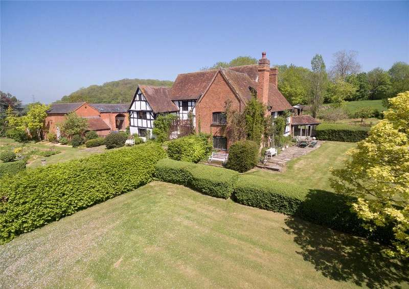 5 Bedrooms Detached House for sale in Warwickshire