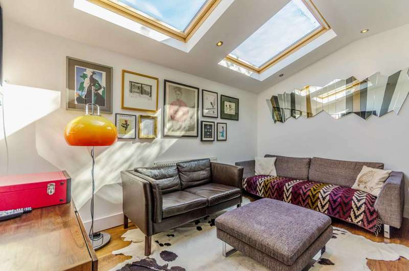 2 Bedrooms House for rent in Church Walk, Stoke Newington, N16