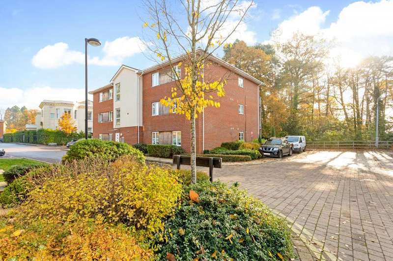 2 Bedrooms Apartment Flat for sale in Cedar Court, Ascot