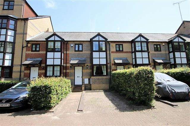 3 Bedrooms Terraced House for sale in Mallard Row, Reading