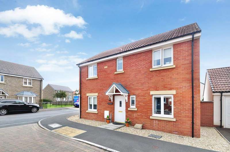 4 Bedrooms Detached House for sale in Bridling Crescent, Newport