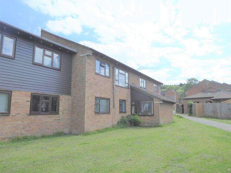 2 Bedrooms Ground Maisonette Flat for sale in Spoondell, Dunstable