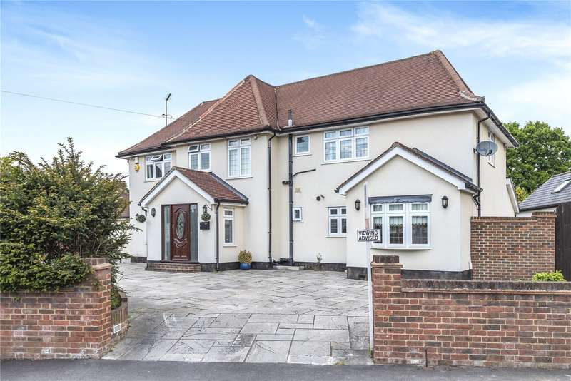 4 Bedrooms Detached House for sale in The Fairway, Ruislip, Middlesex, HA4