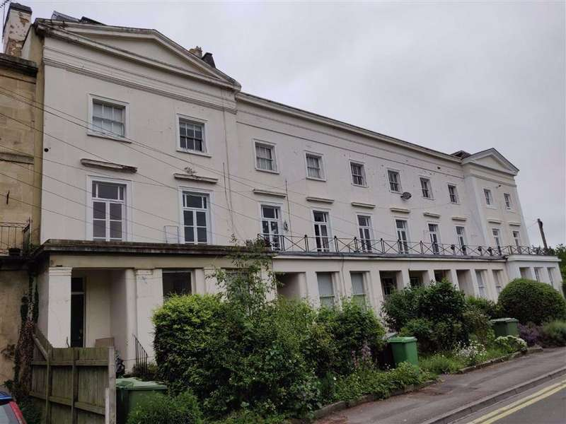 1 Bedroom Block Of Apartments Flat for sale in Cheltenham Town Centre