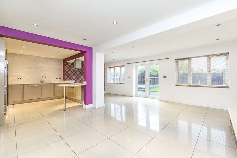 5 Bedrooms Detached House for sale in Manor Road, Willington, Crook, County Durham, DL15