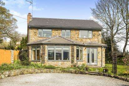 4 Bedrooms Detached House for sale in Padeswood Road South, Padeswood, Mold, Flintshire, CH7