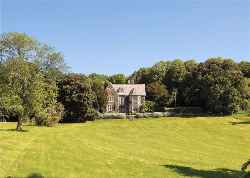 7 Bedrooms Detached House for sale in Lorton Lane, Weymouth, Dorset, DT3