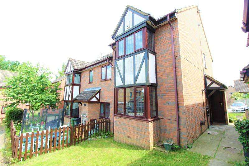 2 Bedrooms End Of Terrace House for sale in CHAIN FREE end of terrace on Felbrigg Close, Luton