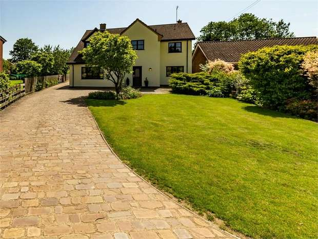 5 Bedrooms Detached House for sale in Knights End Road, March, Cambridgeshire