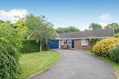 4 Bedrooms Bungalow for sale in Bartholomew Way, Chester, Cheshire, CH4