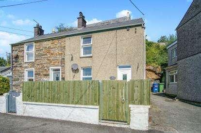 1 Bedroom Semi Detached House for sale in Tyn Y Bryn, Penrhyndeudraeth, Gwynedd, LL48