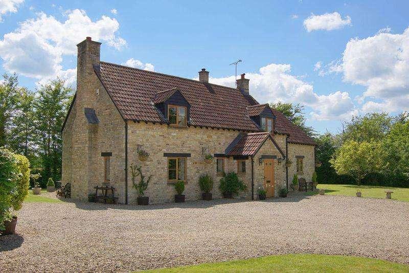 4 Bedrooms Detached House for sale in Orange End, Inglestone Common, Nr Hawkesbury, Badminton