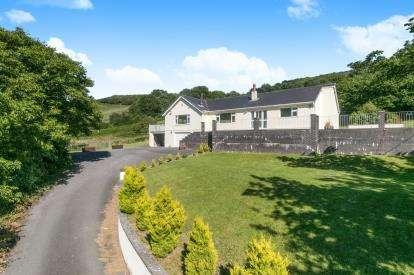 4 Bedrooms Bungalow for sale in Cilgwyn Road, Nant Y Glyn Road, Colwyn Bay, Conwy, LL29
